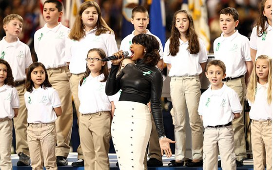 Jennifer Hudson and the Sandy Hook Children's Choir performing America the Beautiful
